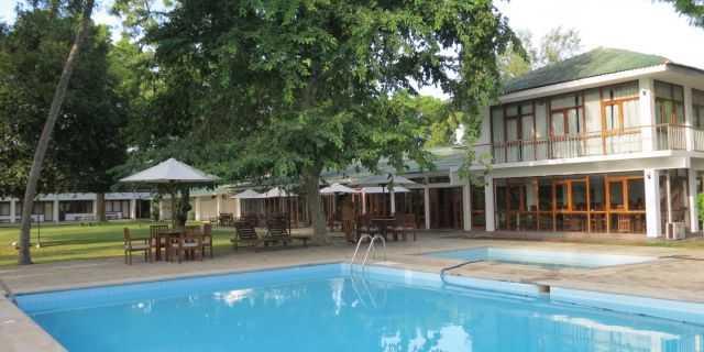 The Lakeside hotel in Anuradhapura
