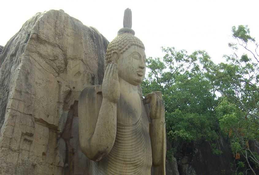 Aukana Buddha statue in Kekirawa