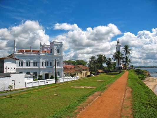 Visit the Dutch Fort at Galle