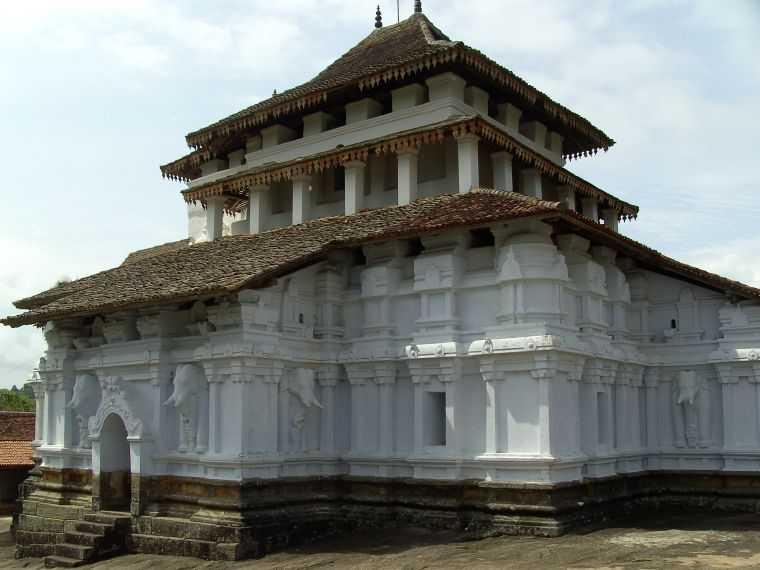 The three temple loop near Kandy