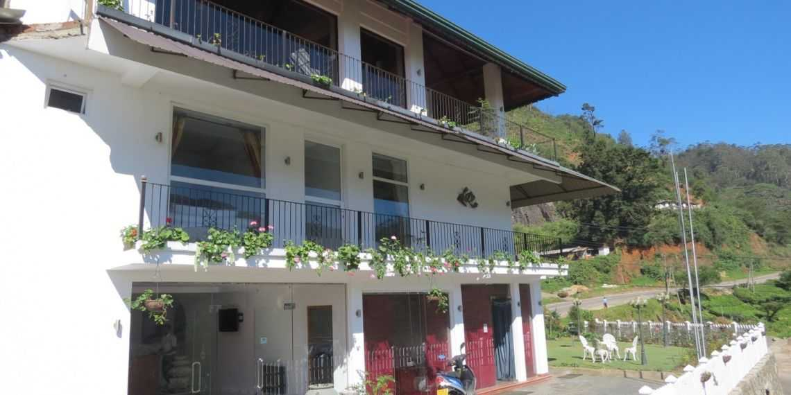 Midky Hotel within the tea plantations of Nuwara Eliya