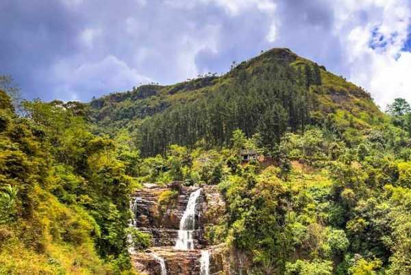 Visit the beautiful Ramboda Falls