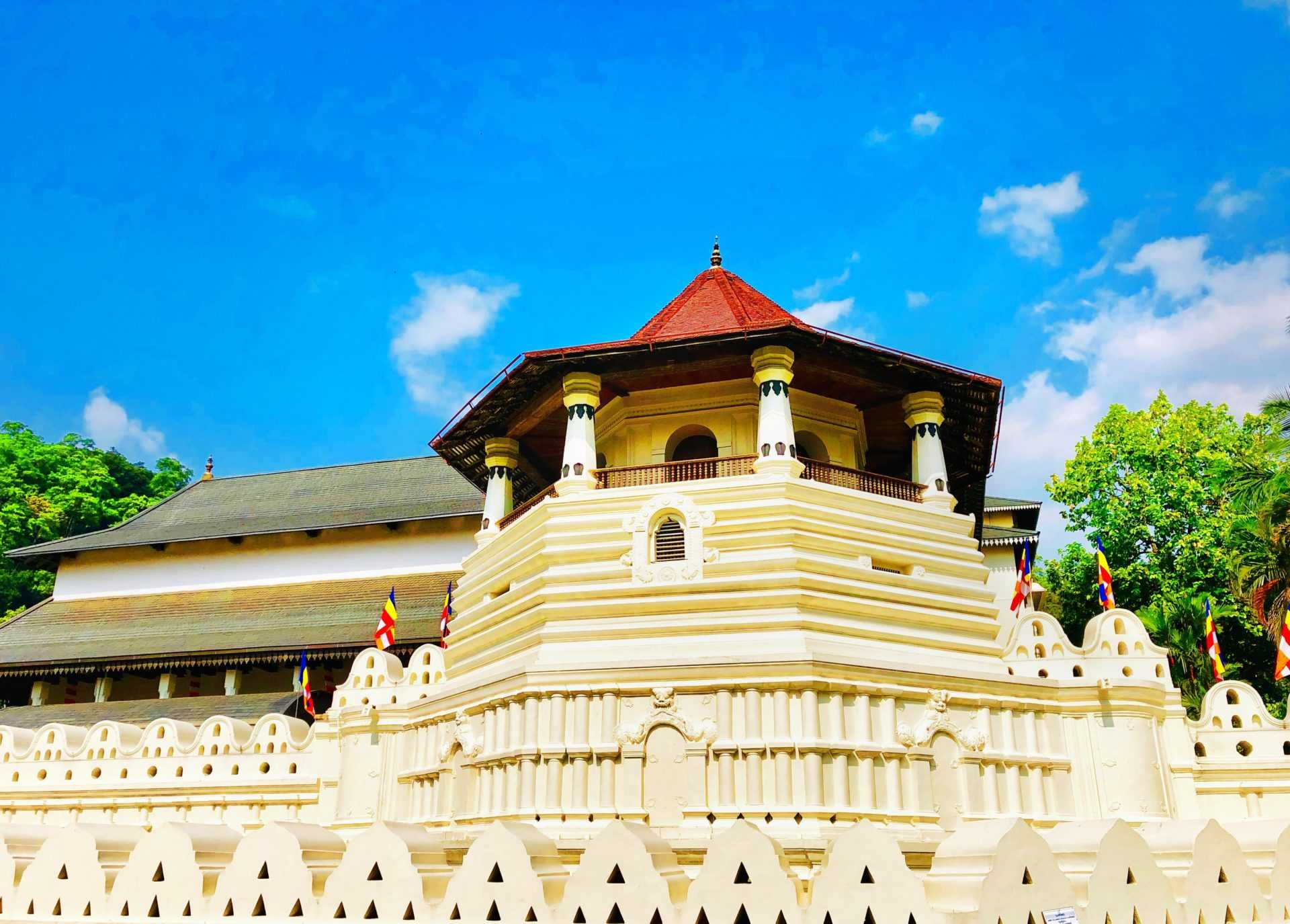 Temple of the Tooth tour in Kandy