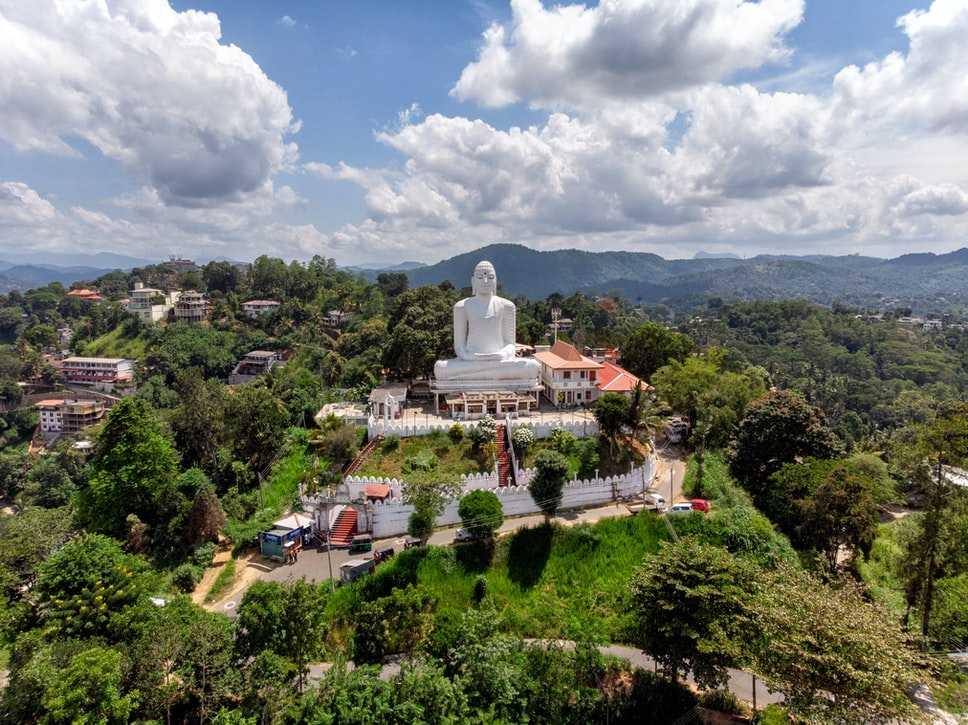 Visit the historical City of Sri Lanka- Kandy